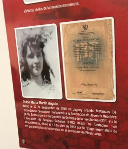 Photo of a young girl with a caption in Spanish underneath describing her death during the Bay of Pigs invasion